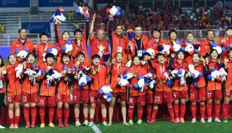 Bóng đá Việt Nam năm 2021, năm Sửu cày như Trâu
